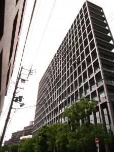 大阪弁護士会館の建物全景