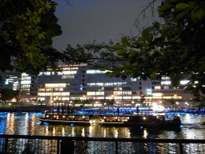 帝国ホテル大阪のクルーズ船
