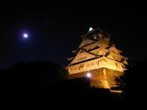 満月と大阪城