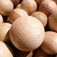 木のボール