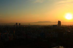 生駒山と朝日